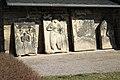 Günthersleben-Wechmar Sankt-Petri-Kirche Grabsteine 850.jpg