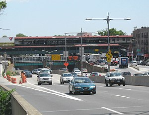 Grand Central Parkway - The western end of the Grand Central Parkway concurrent with I-278 in Astoria, as seen facing the BMT Astoria Line