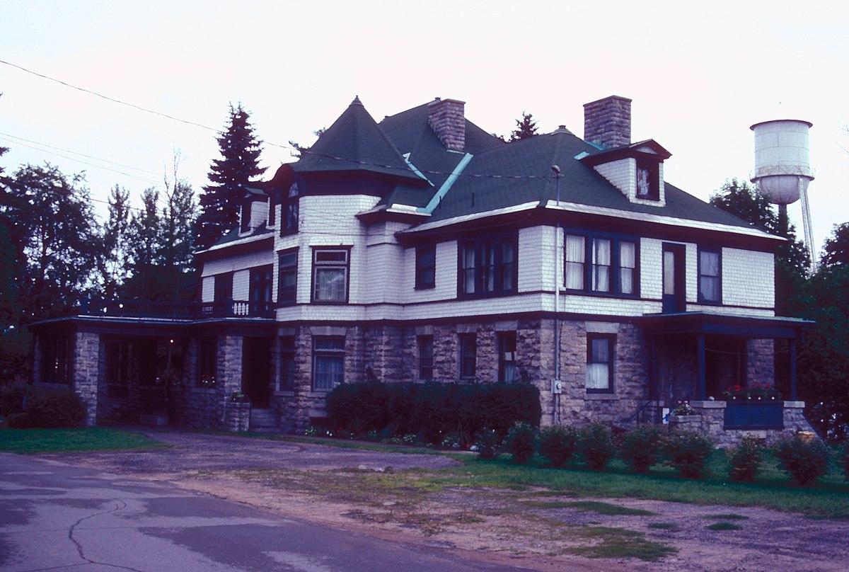 gould mansion complex wikipedia. Black Bedroom Furniture Sets. Home Design Ideas