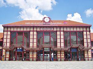 Gare de Saint-Étienne-Châteaucreux - The passenger building and entrance to the station
