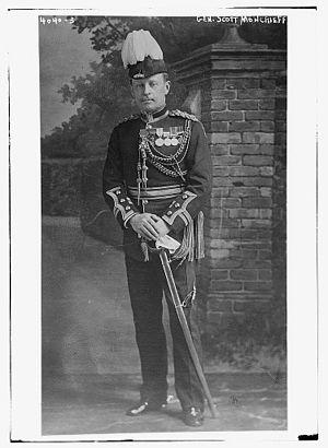George Kenneth Scott-Moncrieff - George Kenneth Scott-Moncrieff in 1916