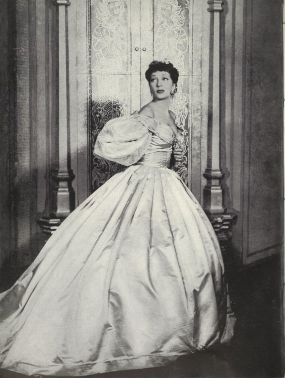 Gertrude Lawrence as Anna