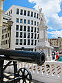 Gibraltar War Memorial and Crimean gun.jpg
