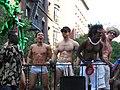 Go-go boys em parada-5.jpg