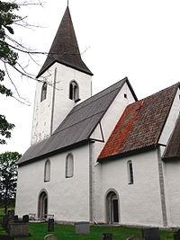 Gotland-Hejdeby kyrka außen.jpg