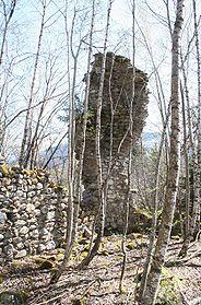 Burg Grünenfels - Mauersporn in der Südostecke