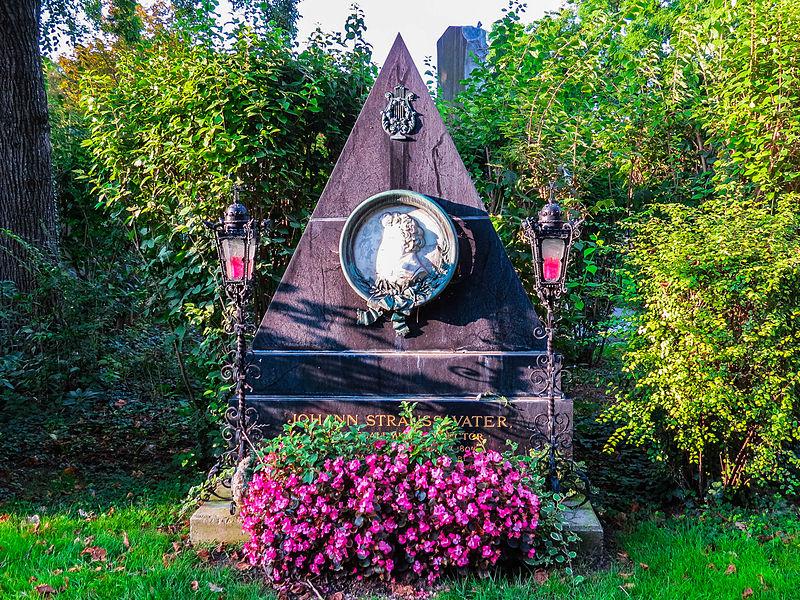 Grab von Johann Strauss (Vater), Zentralfriedhof (15364229321).jpg