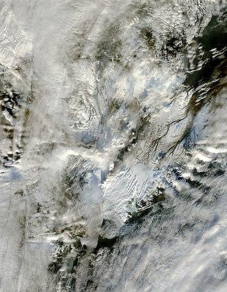 Grímsvötn - Ash plume from Grímsvötn Volcano, November 2, 2004
