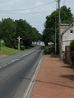 Hénin-sur-Cojeul - Calvaire sur la RD5.JPG
