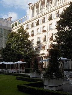 Adalaja Paris Hotel