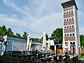 Höhengaststätte Katharinenlinde, Esslingen, Aussichtsturm vom Schwäbischen Albverein 1957 errichtet, Errichtet im Jahre 1957 in Zusammenarbeit von Stadt Esslingen am Neckar, schwäbischer Alberverein e. V., Brauerei R - panoramio.jpg