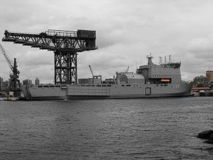 HMAS Choules starboard.jpg