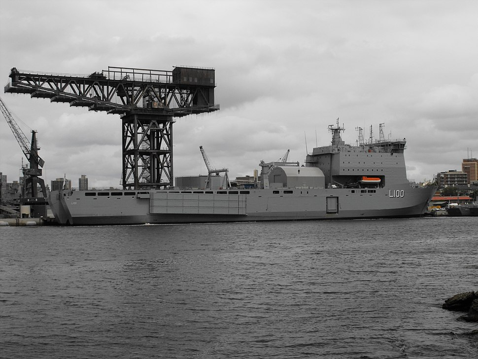 HMAS Choules starboard