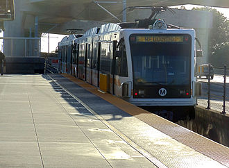 Los Angeles Metro Rail rolling stock - Image: Harbor Fwy Station 11