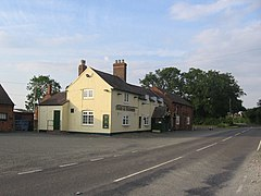 Hare and Hounds Cruckton - geograph.org.uk - 1338052.jpg