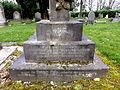 Harlow Hill Cemetery 020.jpg
