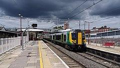 Harrow and Wealdstone station MMB 08C 350121