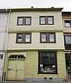 Haus mit unterschiedlichen Schindeln - Eschwege Wendische Mark - panoramio.jpg