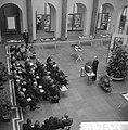 Herdenking 400 jaar Shakespeare in het Maagdenhuis, geopend door wethouder Koets, Bestanddeelnr 916-3454.jpg
