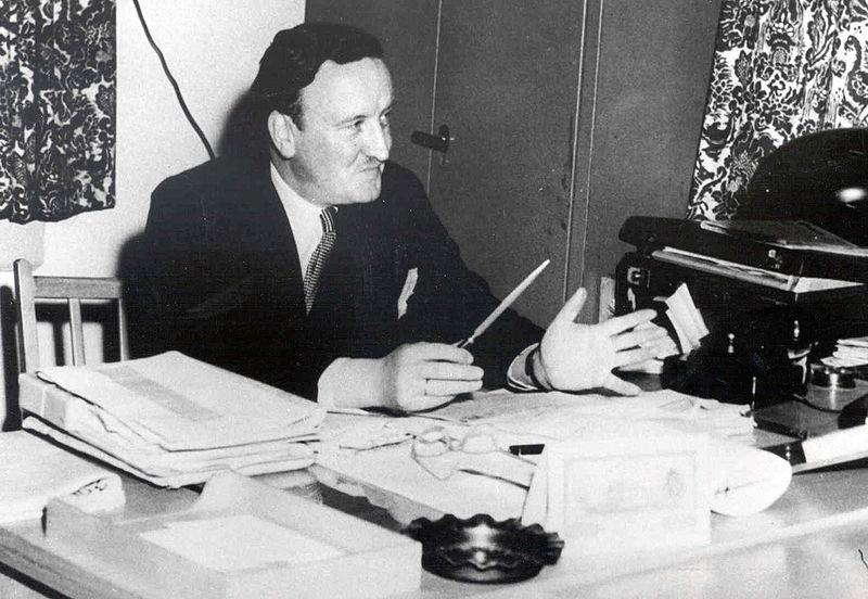 File:Hermann Josef Abs - in der KfW 1949.jpg
