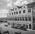 Het Penha-gebouw op Heerenstraat 1 in Willemstad op Curaçao, Bestanddeelnr 252-7159.jpg
