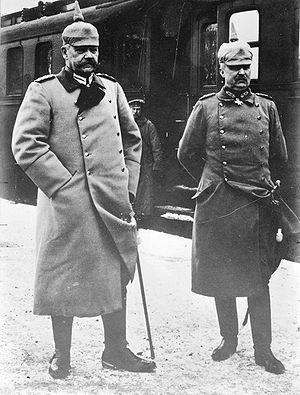 Erich Ludendorff - Image: Hindenburg and Ludendorff