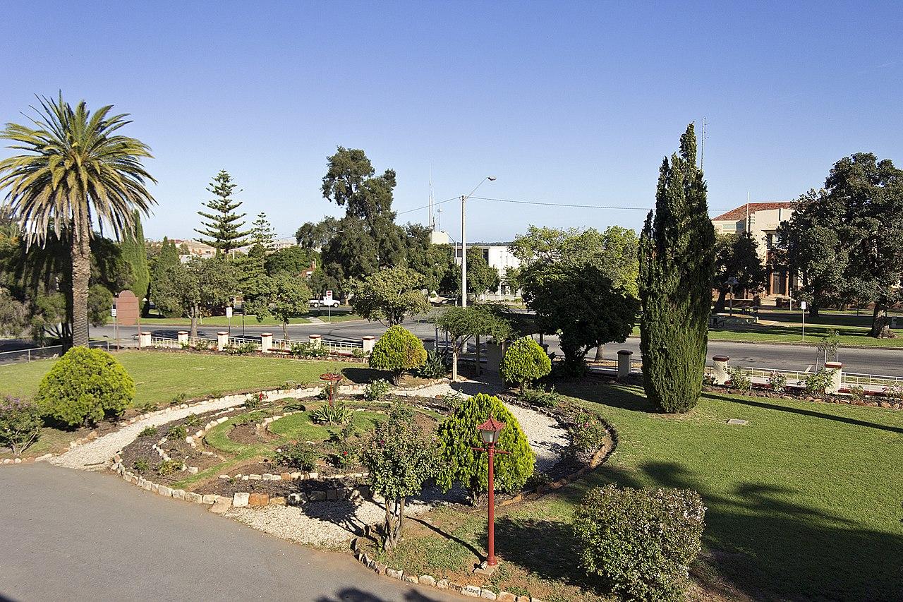 FileHistoric Hydro gardens and Chelmsford Pl in Leetonjpg