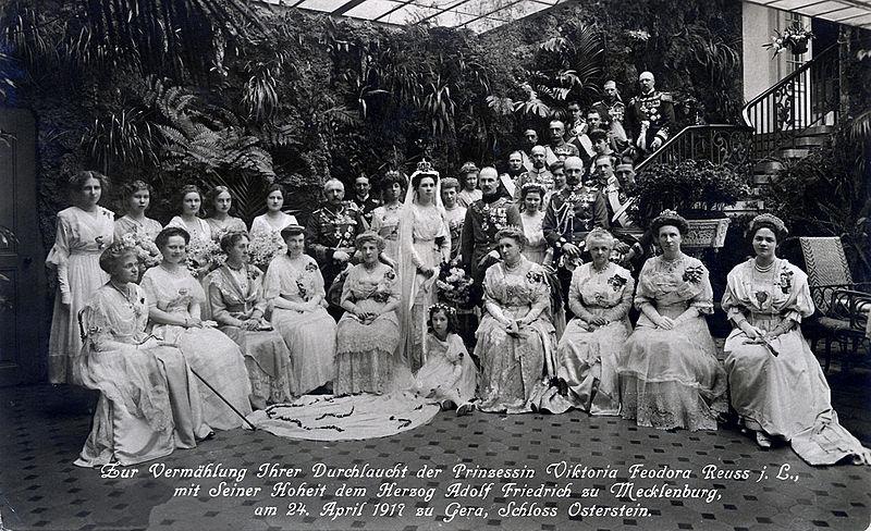 Hochzeit Prinzessin Feodora RjL und Herzog Adolf Friedrich zu Mecklenburg, Gera 1917.jpg