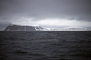 Hopen (Svalbard) - Image: Hopen Svalbard May 2013