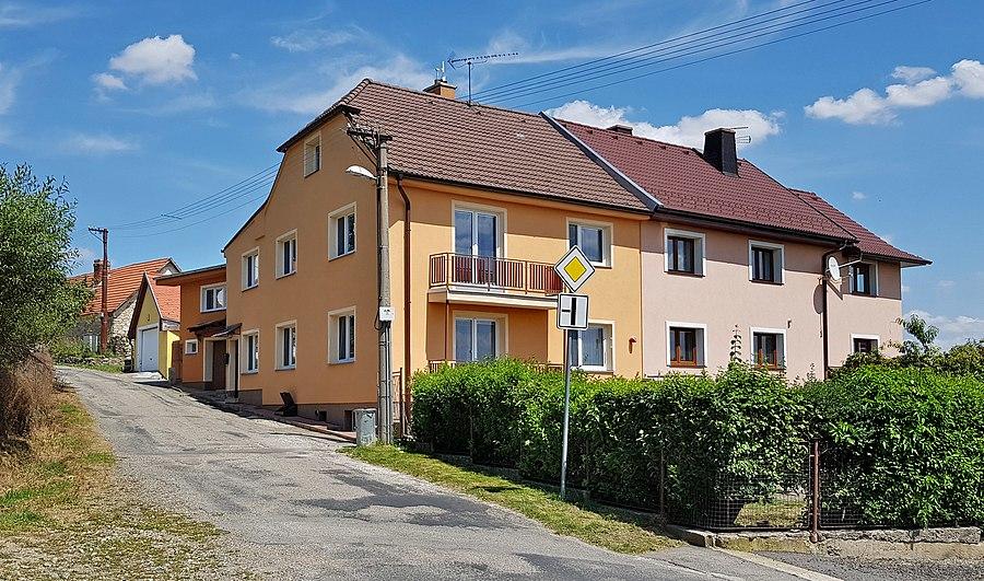 Hradiště (Benešov District)