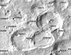 Huggins Crater and Vicinity.png
