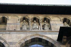 Loggia degli Osii - Detail with the statues.