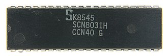 Intel MCS-51 - Image: Ic photo Signetics SCN8031H (8031 MCU)
