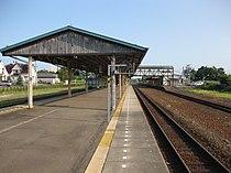Ikeda railway station platforms.JPG