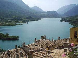 Barrea - Image: Il lago di barrea