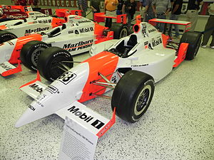 2001 Indianapolis 500 - Image: Indy 500winningcar 2001