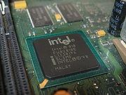 Intel 810e Northbridge mit IGP