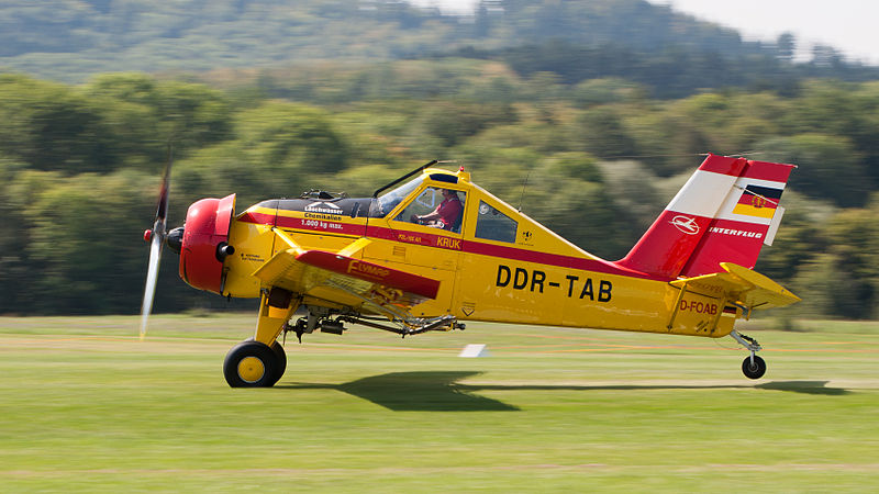 800px-Interflug_PZL-106AR_2M_Kruk_D-FOAB