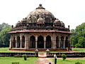 Isa Khan Niyazi's tomb, near Humayun's tomb, Delhi.jpg