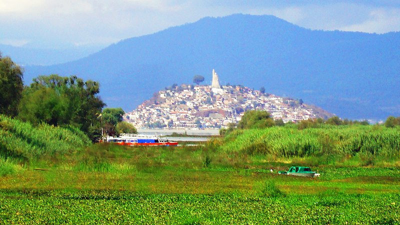 File:Isla de Janitzio, Michoacan - panoramio.jpg