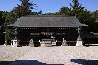 Izanagi-jingu Haiden.JPG