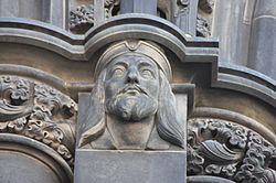 James I as appearing on the Scott Monument.JPG
