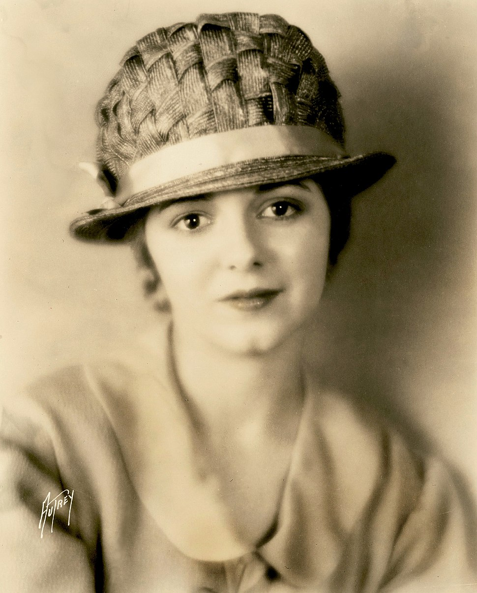 Janet Gaynor - Sunrise (1927)