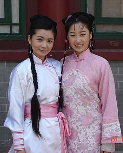 Jang Seo-Hee(left) & Wang Xiangru(right).jpg