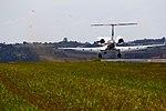 Jato pousando em Jundiai - Jet landing at Jundiai (7473085630).jpg