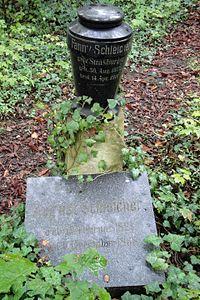 Jena Johannisfriedhof Schleicher.jpg