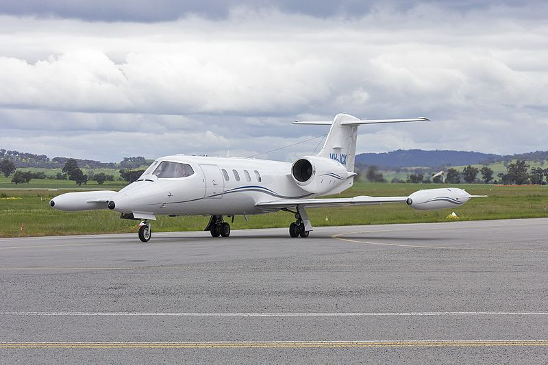 File:Jet City (VH-JCX) Learjet 36A taxiing at Wagga Wagga Airport.jpg