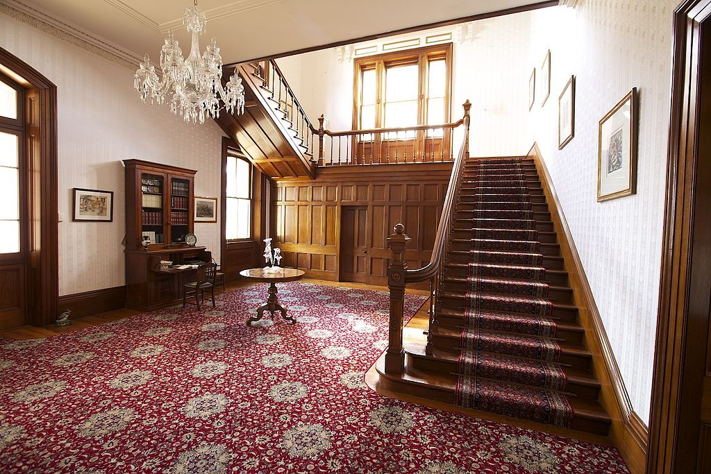 File Jimbour House Inside Wikimedia: inside staircase in houses
