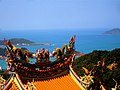 Jiufen Zhaoling Temple roof and the sea 20090131.jpg