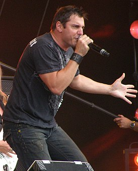 Johnny Gioeli (cropped).JPG